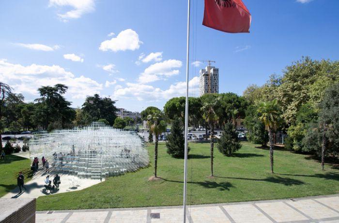 Из Лондона в Тирану переехала арт-инсталляция архитектора Соу Фудзимото