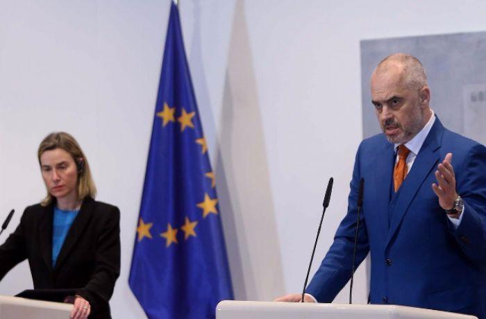Переговоры о вступлении Албании в Евросоюз должны начаться в 2016 году