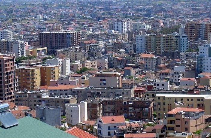 МВФ рекомендует включить налог на недвижимость в Албании в счета за электричество