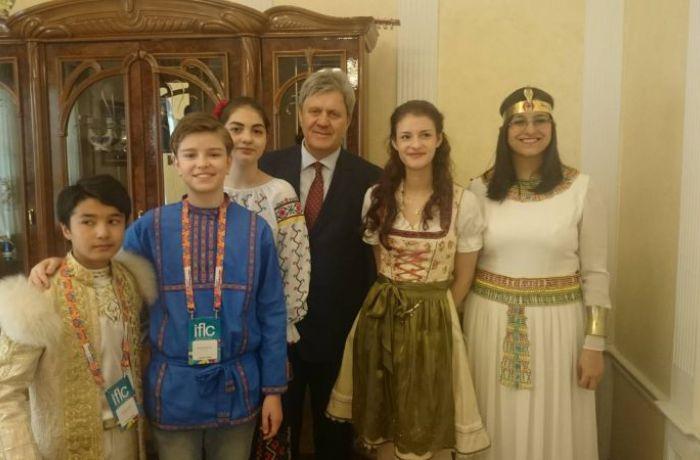 Посол РФ в Албании встретился с участниками фестиваля «Краски мира»