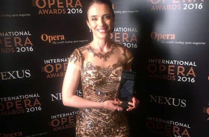 Албанская оперная певица Эрмонела Яхо победила на международном конкурсе