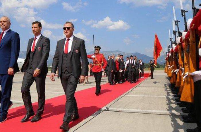Сборная Албании выбыла из Евро-2016 и вернулась на родину