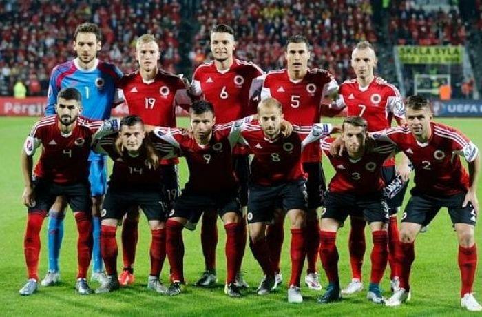 Сборная Албании по футболу ищет преемника главному тренеру Де Биази среди итальянцев