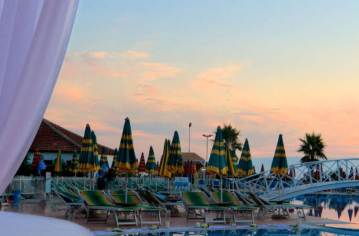 Евростат: самые дешевые рестораны и отели Европы находятся в Албании