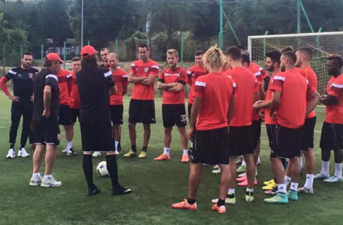 Албанский ФК Скендербеу проведет товарищеский матч в Греции
