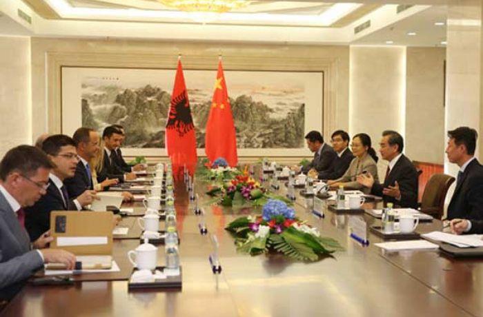 Албания и Китай упростили визовый режим