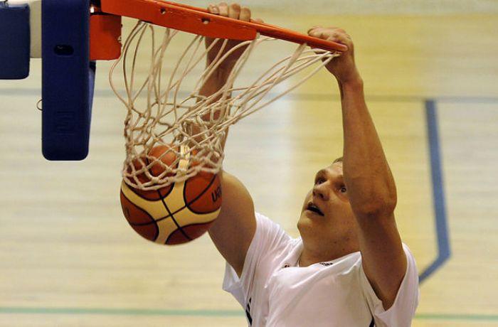 Албанские баскетболисты уступили украинцам в матче юниорского чемпионата Европы