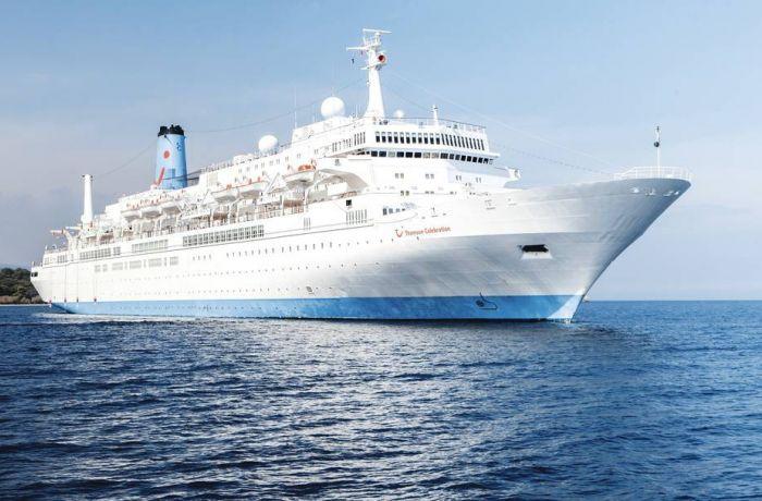 Сразу 2 круизных лайнера привезли туристов в порт Дуррес