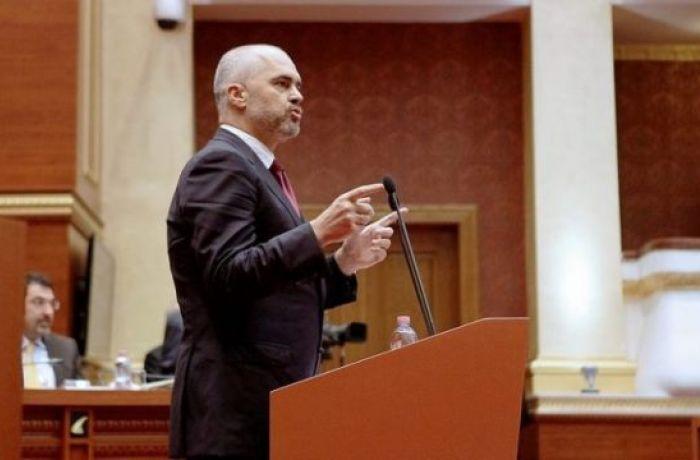 Власти Албании хотят создать 200 тысяч новых рабочих мест за 4 года