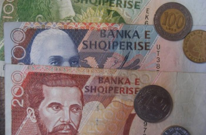 Государственный долг Албании снизится впервые за 10 лет