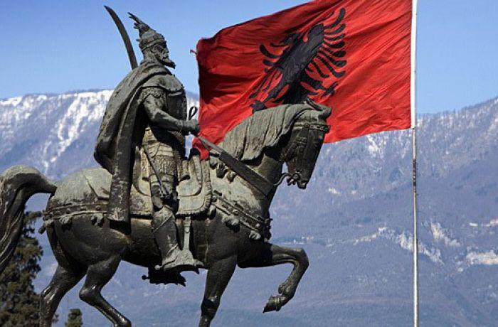 Албания празднует День независимости