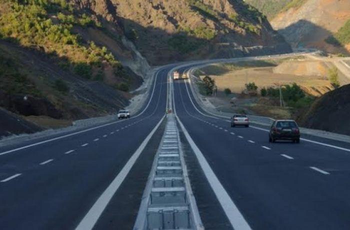 Los Angeles Times советует владельцам электромобилей переехать в Албанию