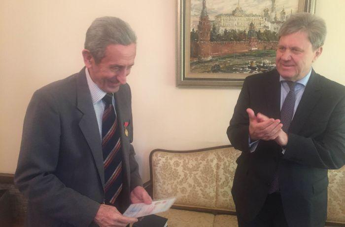 Албанский переводчик Никола Судар награждён памятной медалью Союза писателей России