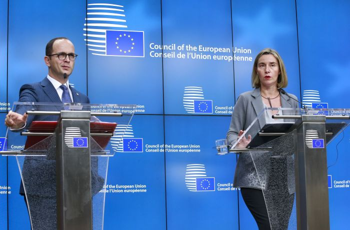 Албания ждет запоздалого открытия переговоров о вступлении в ЕС